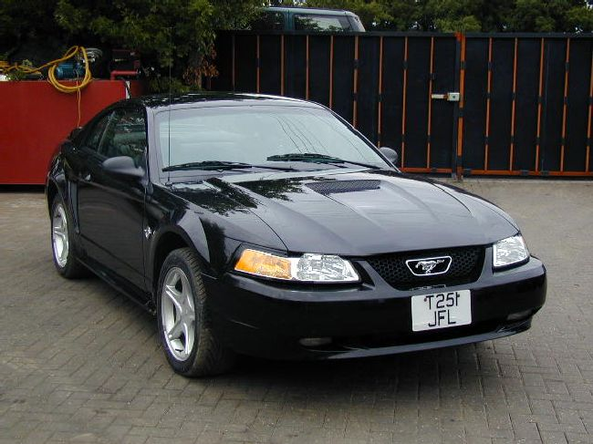 1999 Ford Mustang Anniversary Edition